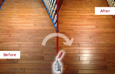 Before and After Picture of a Middletown Wood Deep Cleaning Service on a Dull Hallway